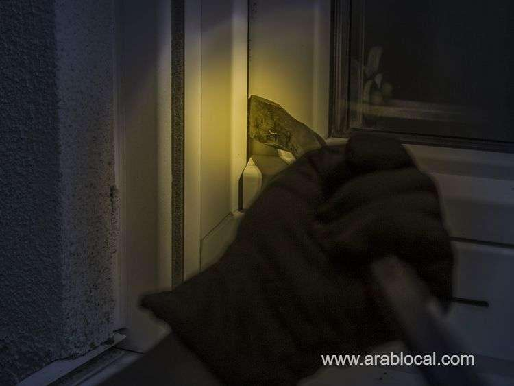 three-saudis-arrested-for-committing-a-number-of-home-burglaries-in-riyadh_kuwait