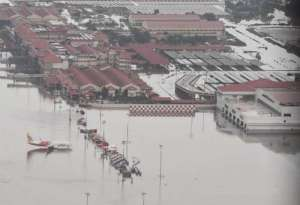 flights-restored-from-kingdom-to-flood-wreaked-cochin-airport_kuwait