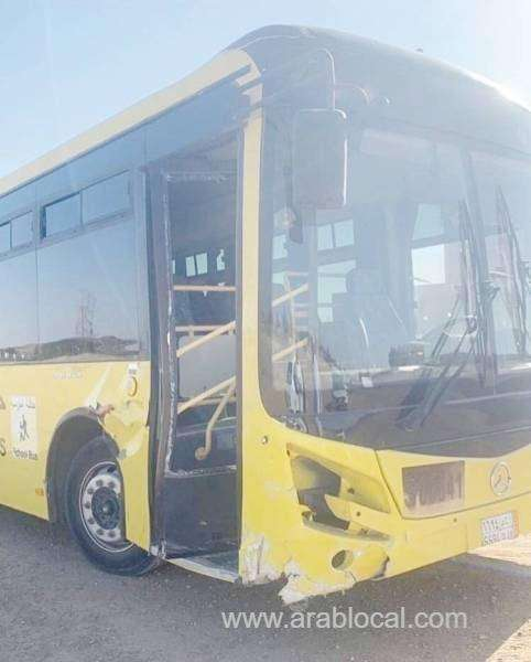 brothers-steer-the-bus-to-safety-as-driver-dies-behind-the-wheel_kuwait