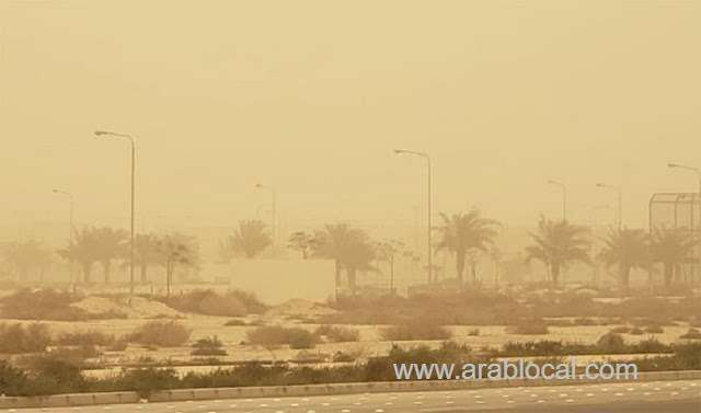 thunderstorm-dusty-winds-in-most-of-the-regions-of-saudi-arabia-saudi