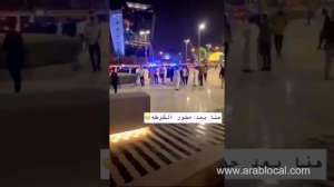 violent-quarrel-between-girls-and-young-men-in-a-commercial-complex-in-riyadh-video_saudi