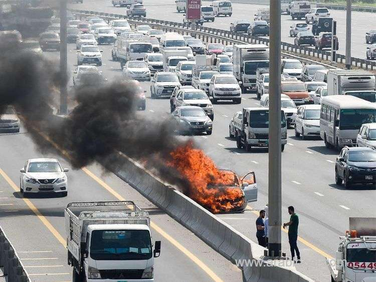 saudi-driver-miraculously-escaped-death-after-his-vehicle-burst-into-flames_kuwait